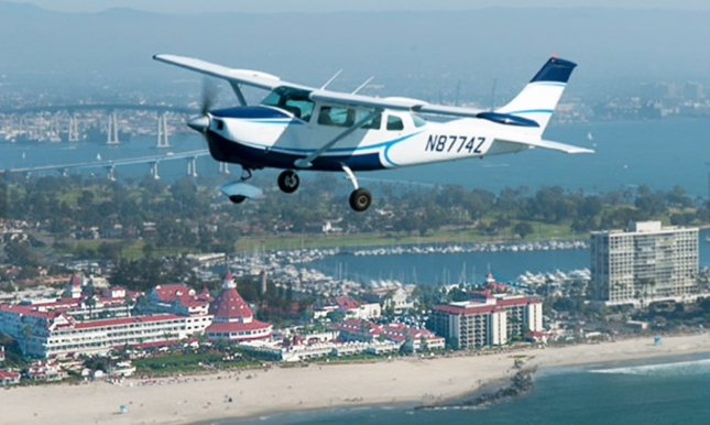 airplane-ride-aerial-tours-Hotel-Del_web.jpg