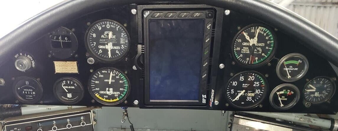 AFT PILOT cockpit. Solo from the Rear Seat only! The large AvMap is automatic. Turns on and boots up with the radio.