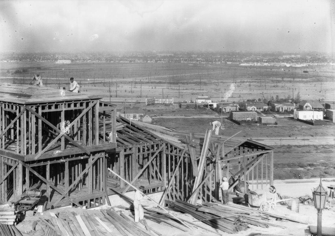 Construction_shots_in_View_Park_Los_Angeles_CA_1928_image_3.jpg