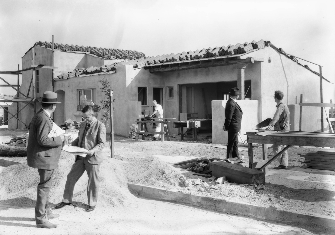 Construction_shots_in_View_Park_Los_Angeles_CA_1928_image_5.jpg