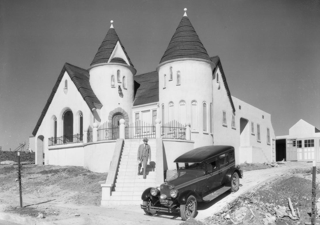 Homes_in_View_Park_Los_Angeles_CA_1928_image.jpg