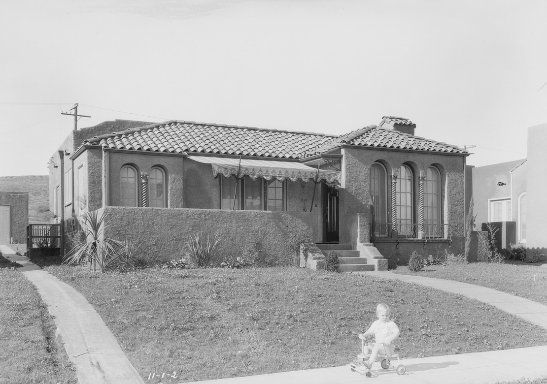 Homes_in_View_Park_Southern_California_1927_image_2.jpg