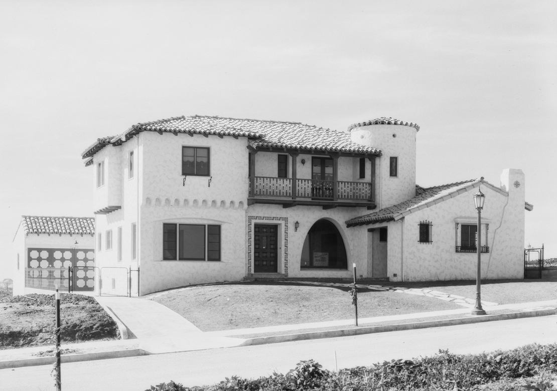 MacLean_house_on_hill_at_View_Park_View_ParkWindsor_Hills_CA_1928_image_3.jpg