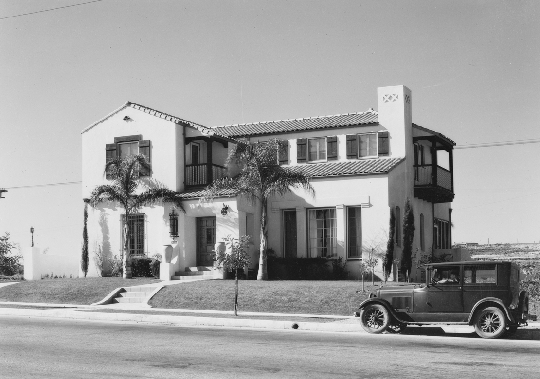 MacLean_house_on_hill_at_View_Park_View_ParkWindsor_Hills_CA_1928_image_1.jpg