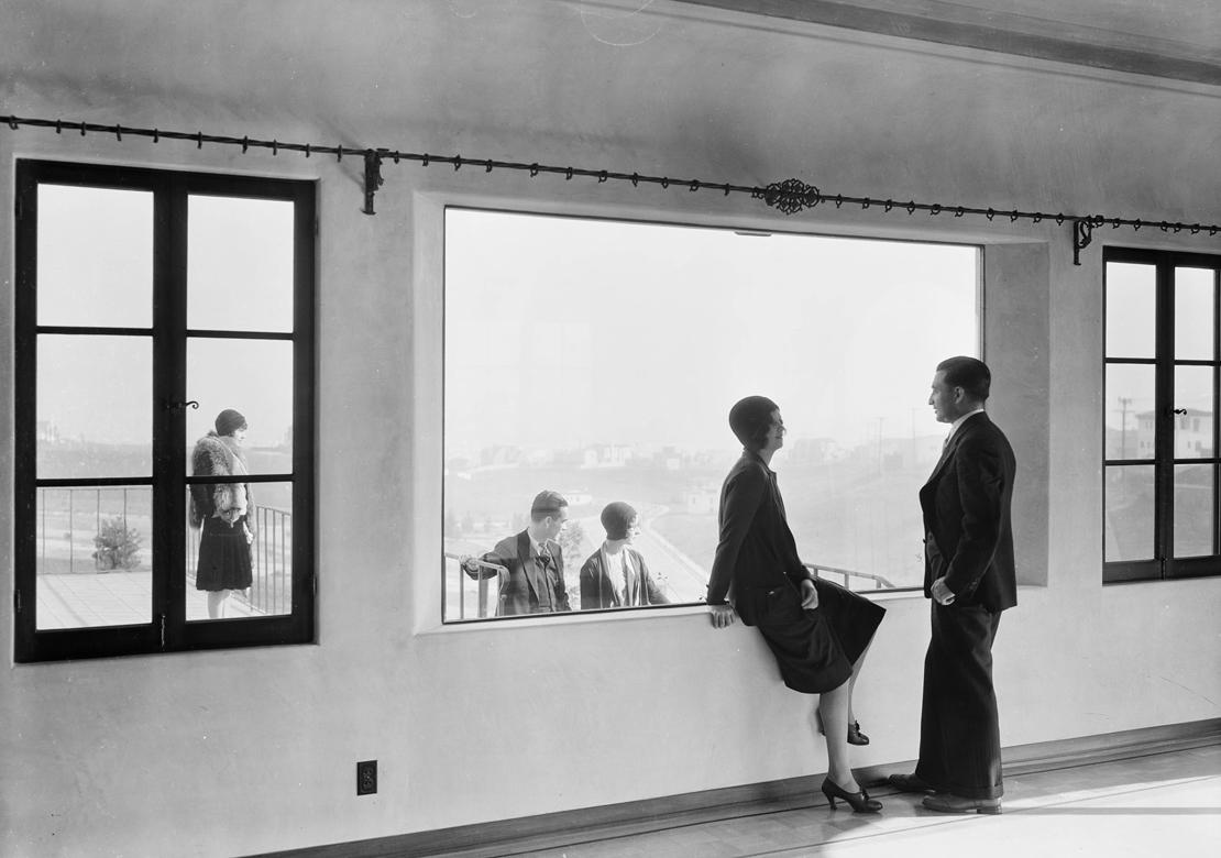 Shots_at_View_Park_Seville_home_Los_Angeles_CA_1930_image_14.jpg