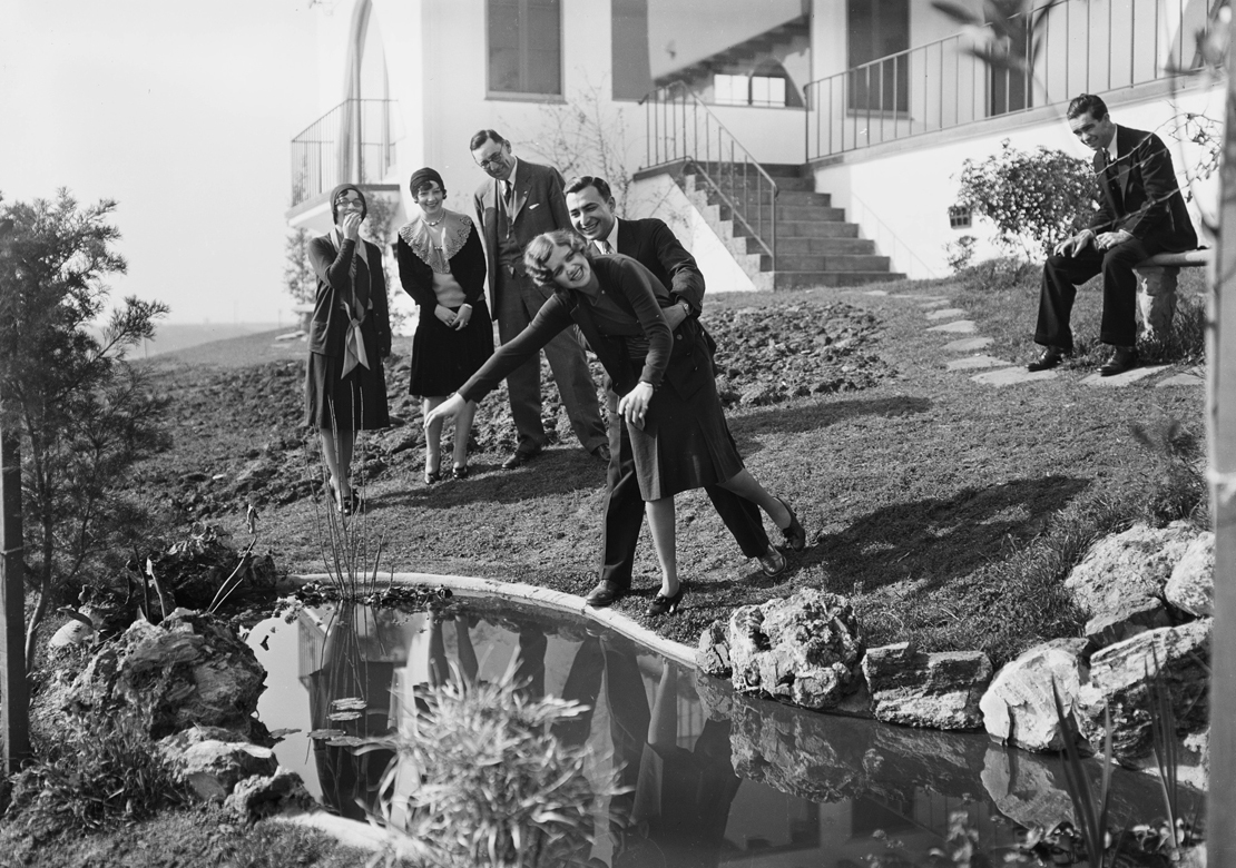Shots_at_View_Park_Seville_home_Los_Angeles_CA_1930_image_11.jpg