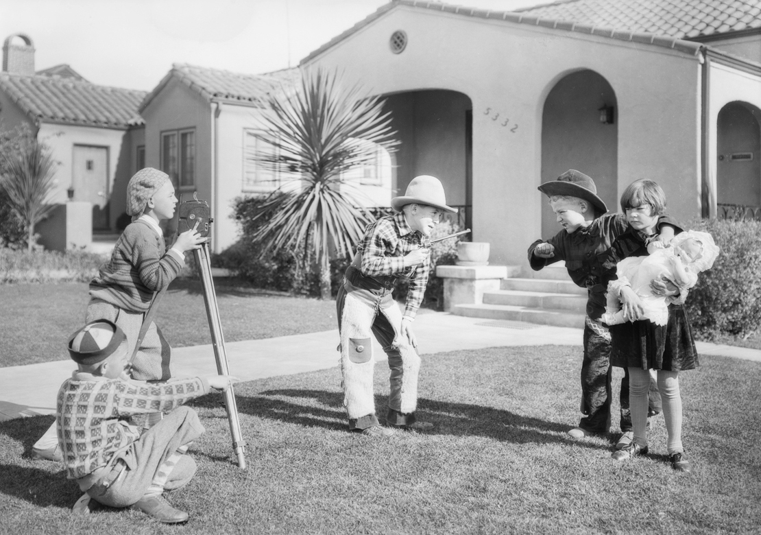 View_park_kids_making_movies_Southern_California_1928_image_1.jpg