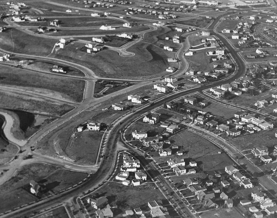 Aerial_view_looking_north_east_of_what_is_now_View_Park_over_looking_Angelus_Vista_Boulevard_and_Mullen_and_Olympiad_Drive_with_Crenshaw_Boulevard_to_the_top.jpg