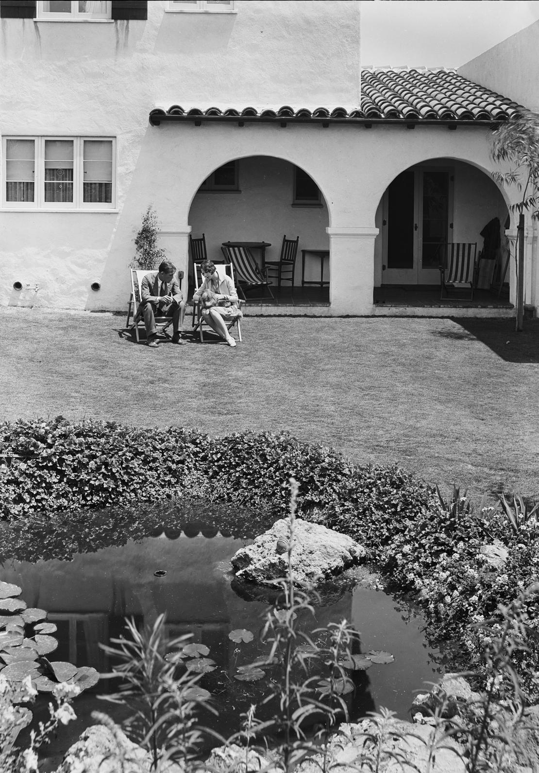 Peyolas_etc_in_View_Park_Southern_California_Los_Angeles_CA_1929_image_2.jpg