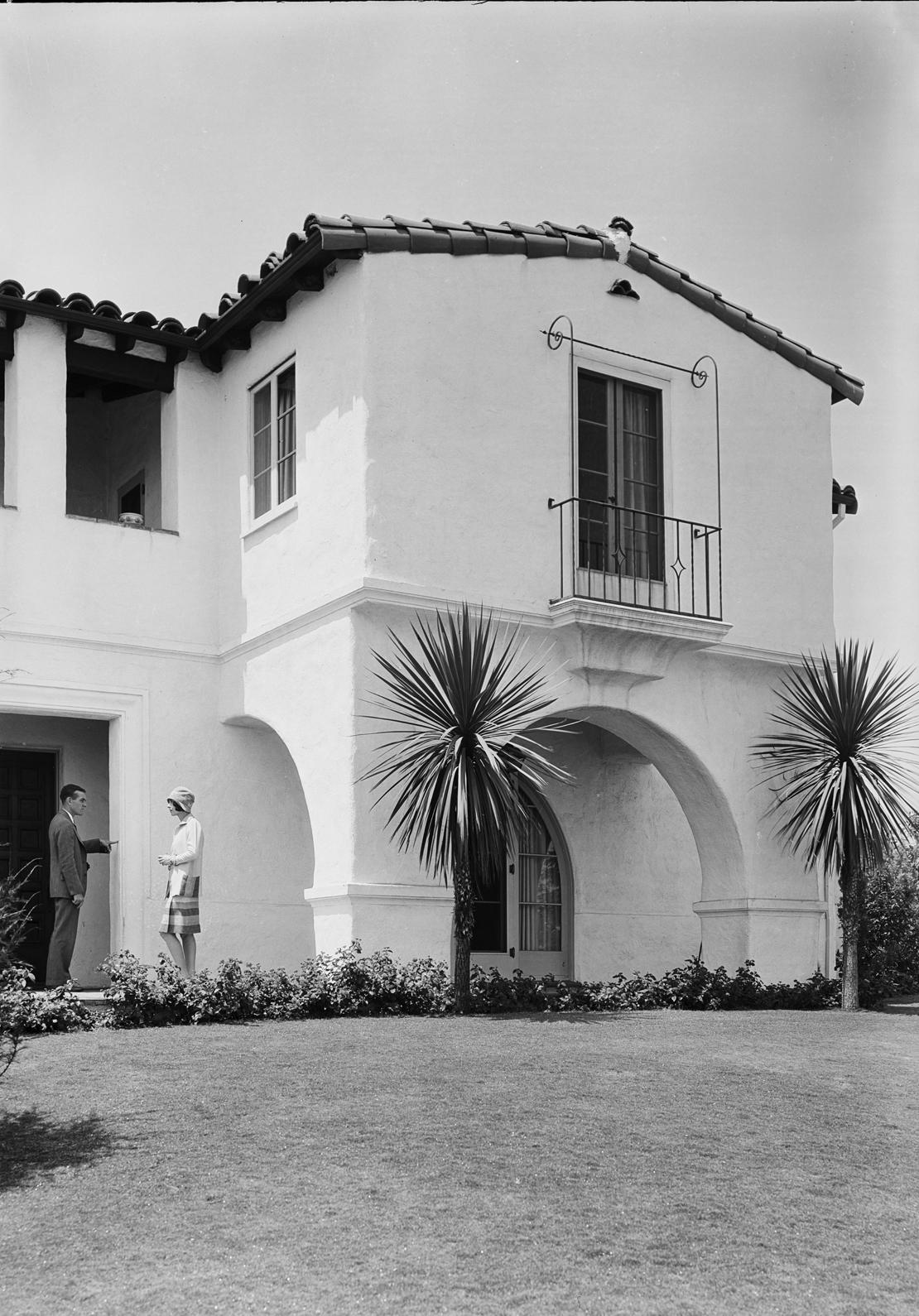 Peyolas_etc_in_View_Park_Southern_California_Los_Angeles_CA_1929_image_4.jpg