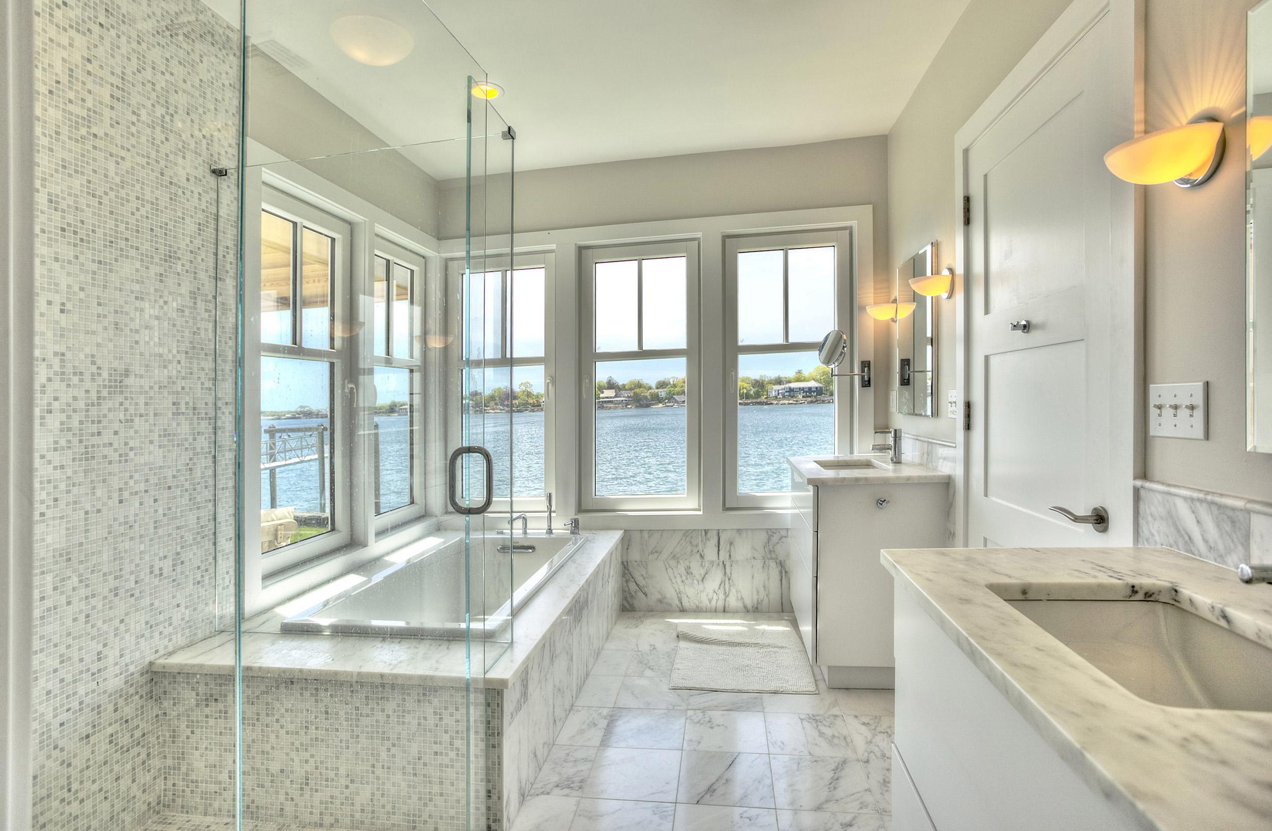 Bathroom Sea 1.jpg