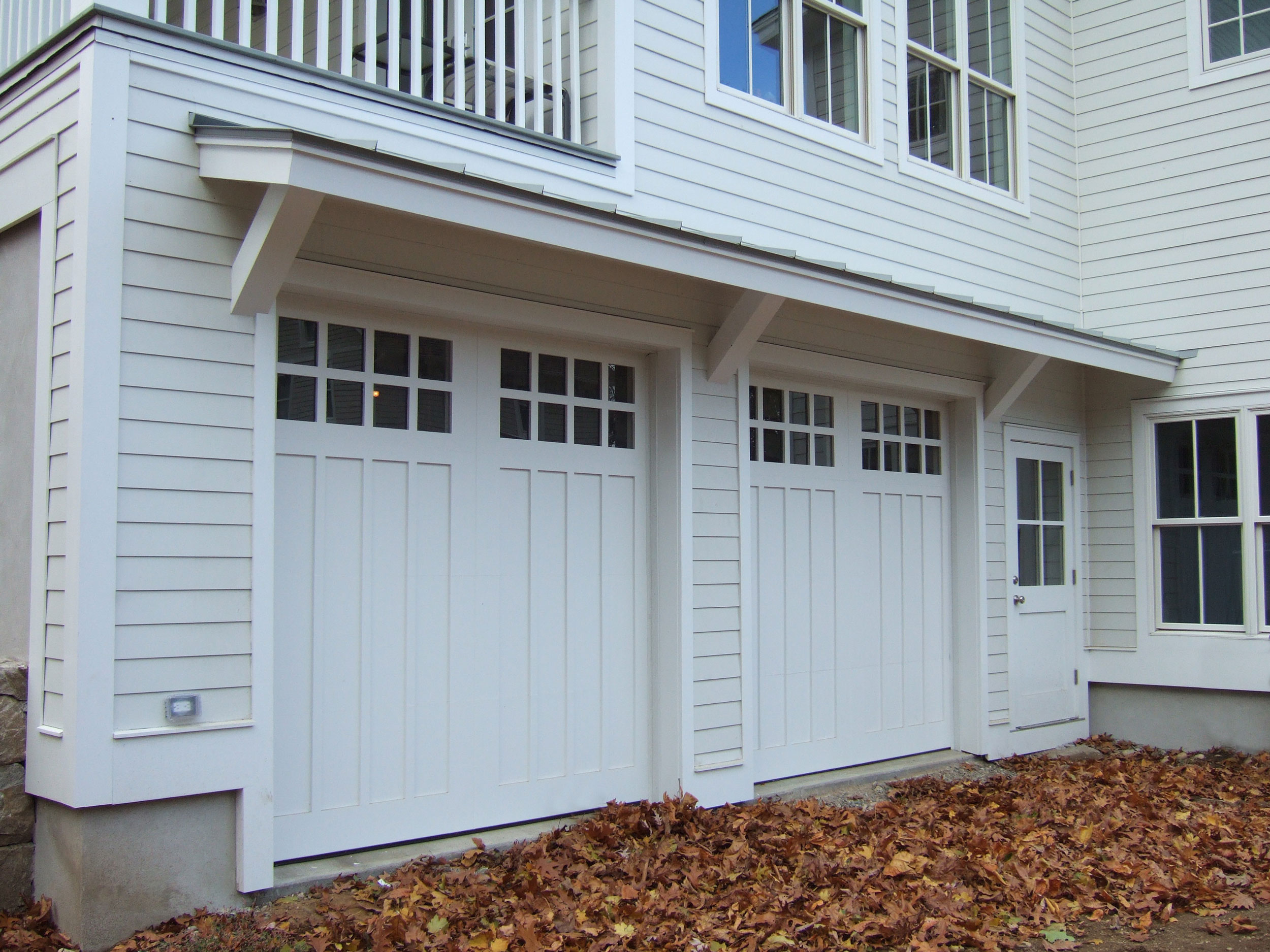 Westport-farmhouse-garage-doors.jpg