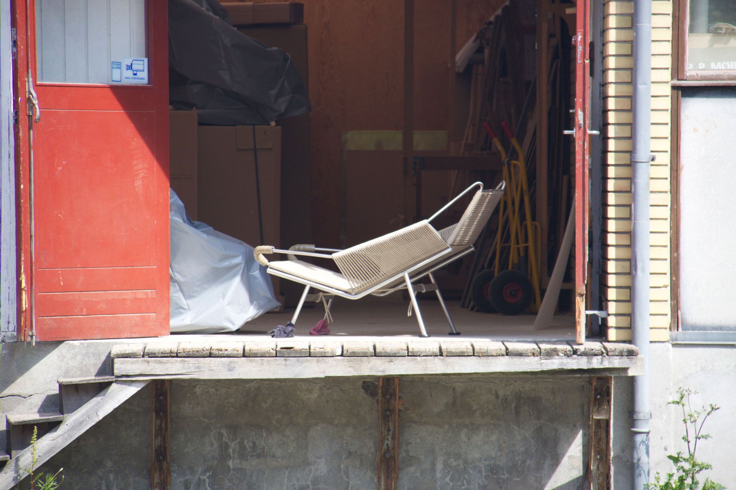 Spotting a Flag Halyard Chair finished at PP Møbler with my telescopic lens
