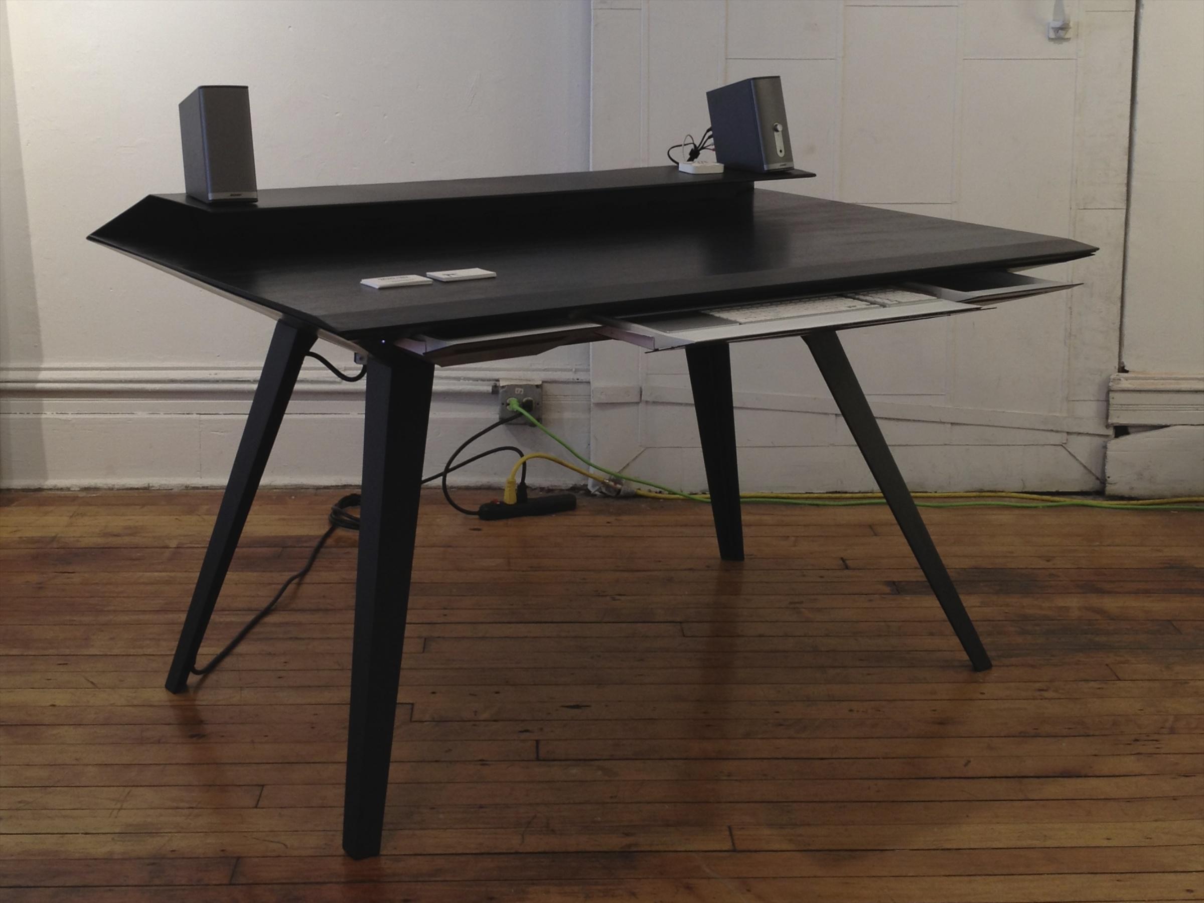 desk117p-5@2x.jpg