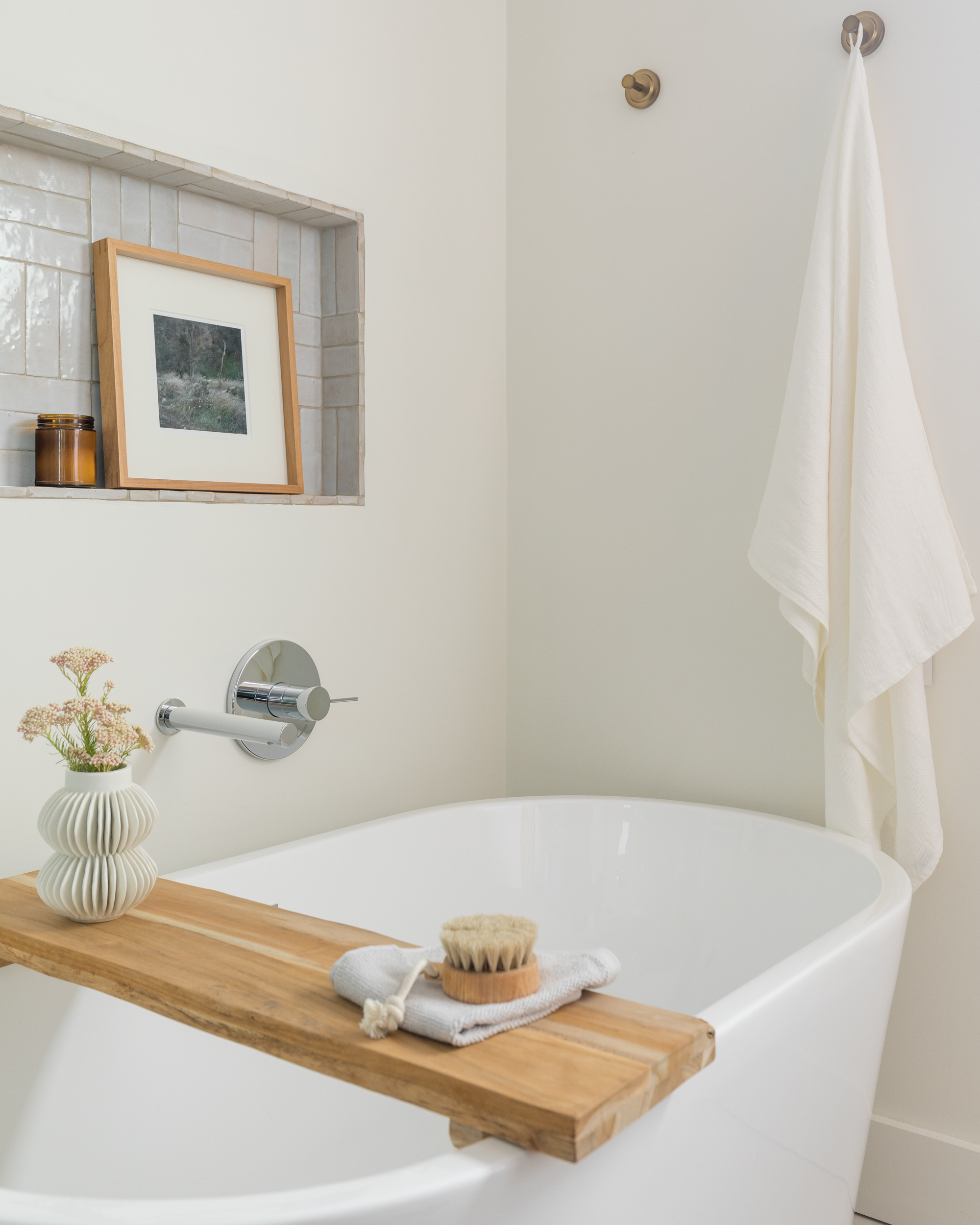 Lauren Bradshaw Design Master Bathroom Tub
