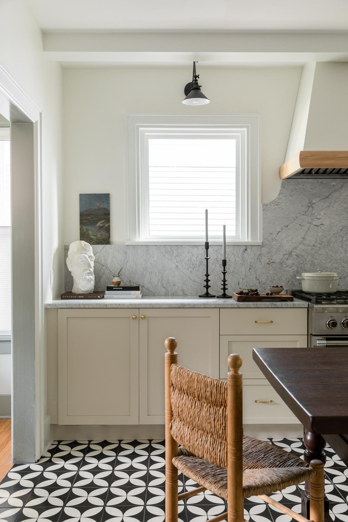 JGMB Lauren Bradshaw Design East Hill Kitchen 09.jpg