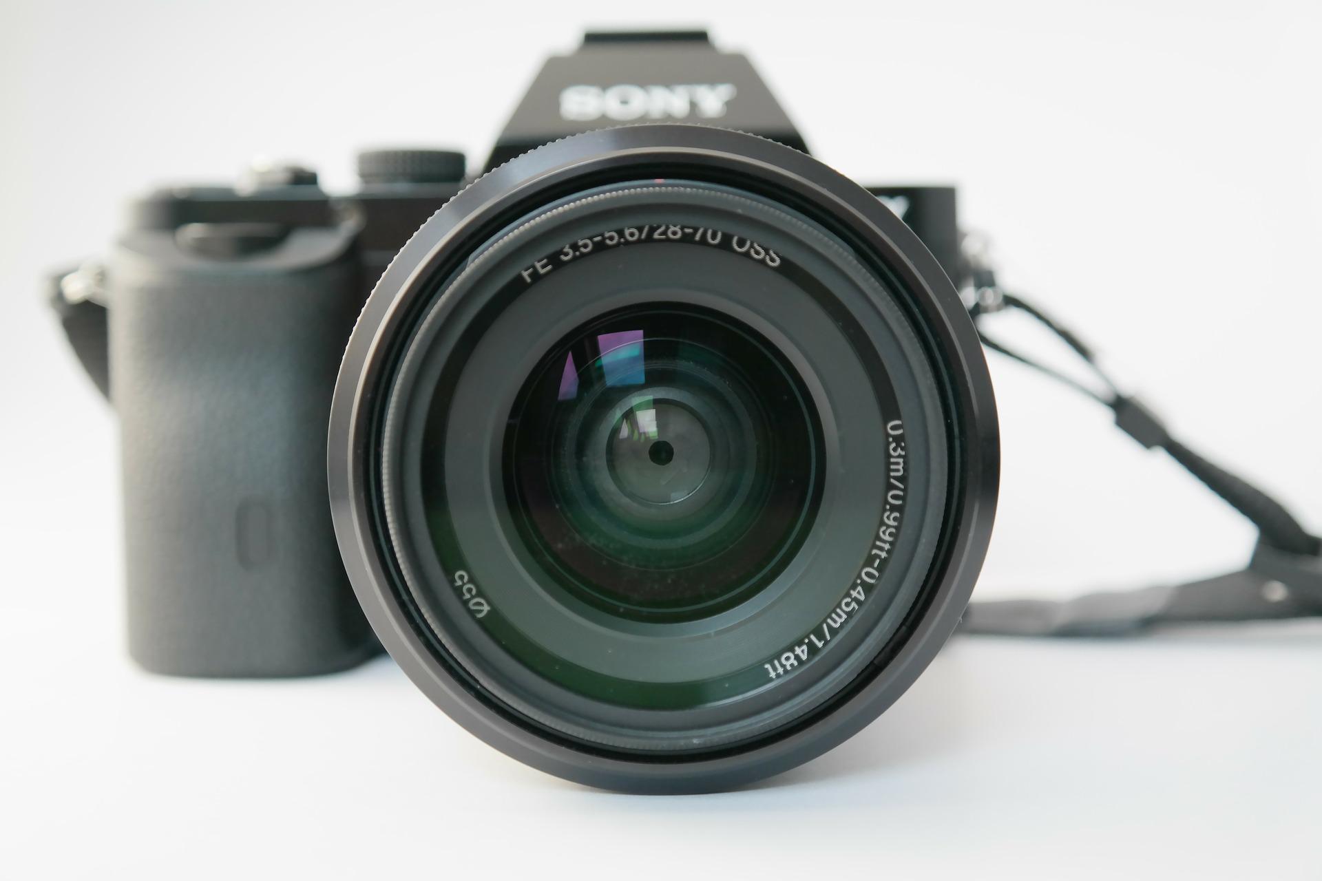 lens zoom lens camera photo camera focal length  by  Hans