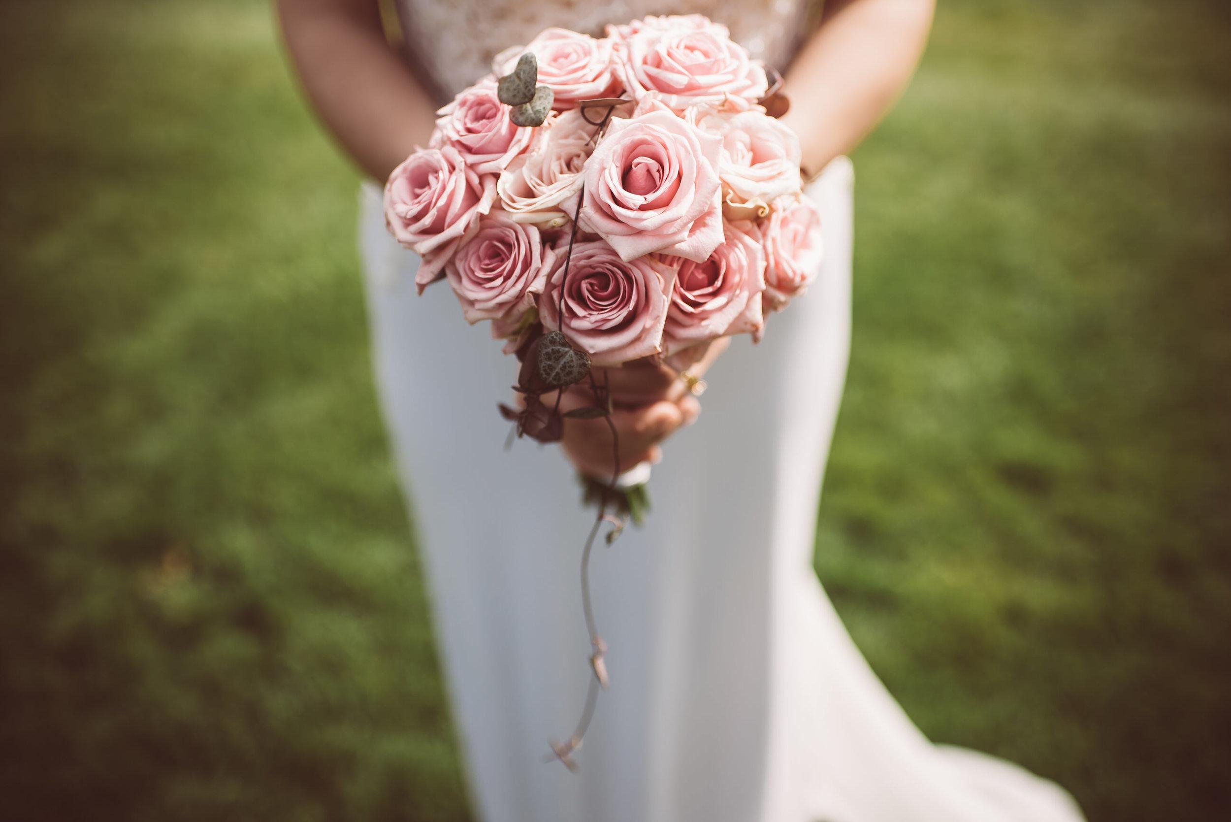 surrey-traditional-country-club-wedding-382.jpg