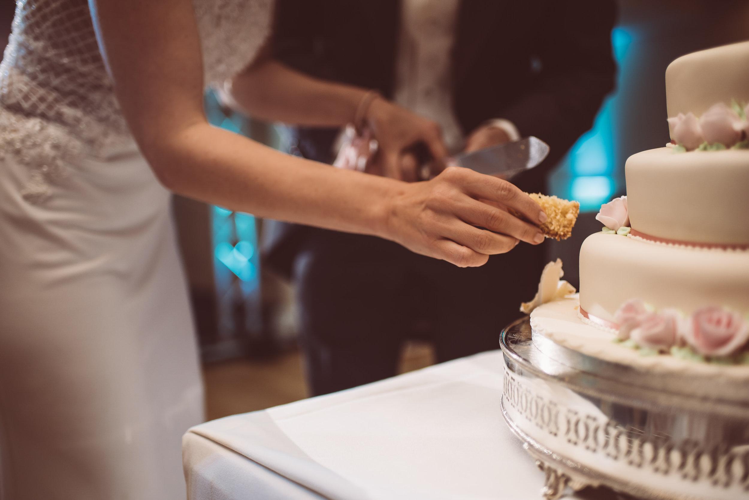 surrey-traditional-country-club-wedding-558.jpg