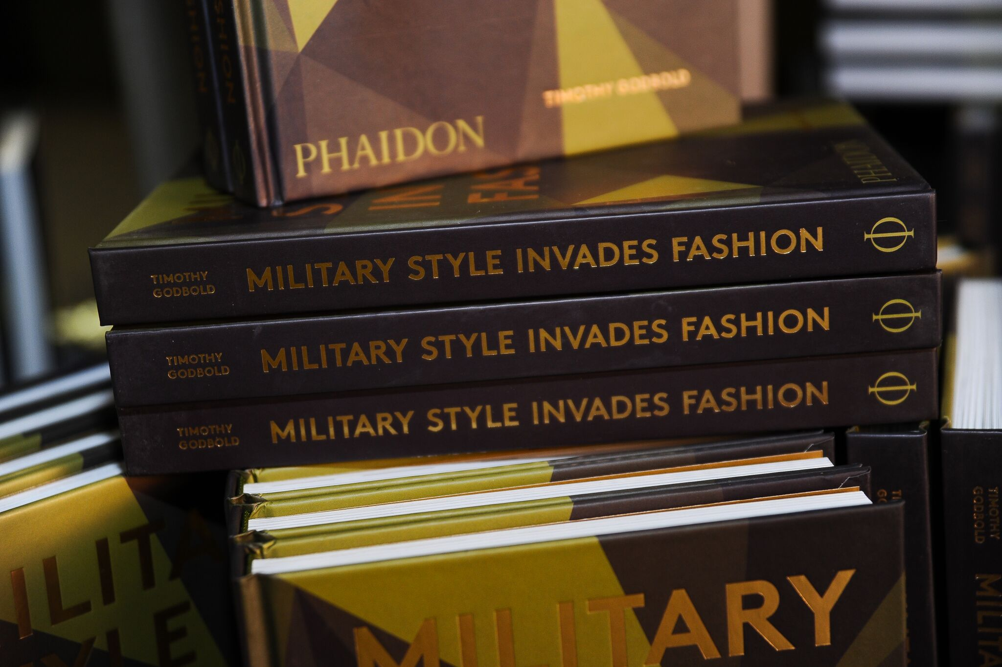 Timothy Godbold - Military Style Invades Fashion - Phaidon Press56.jpg