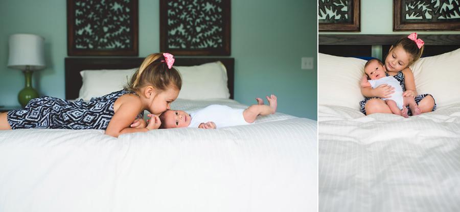 017-sibling-love--charlotte-newborn-photography.jpg