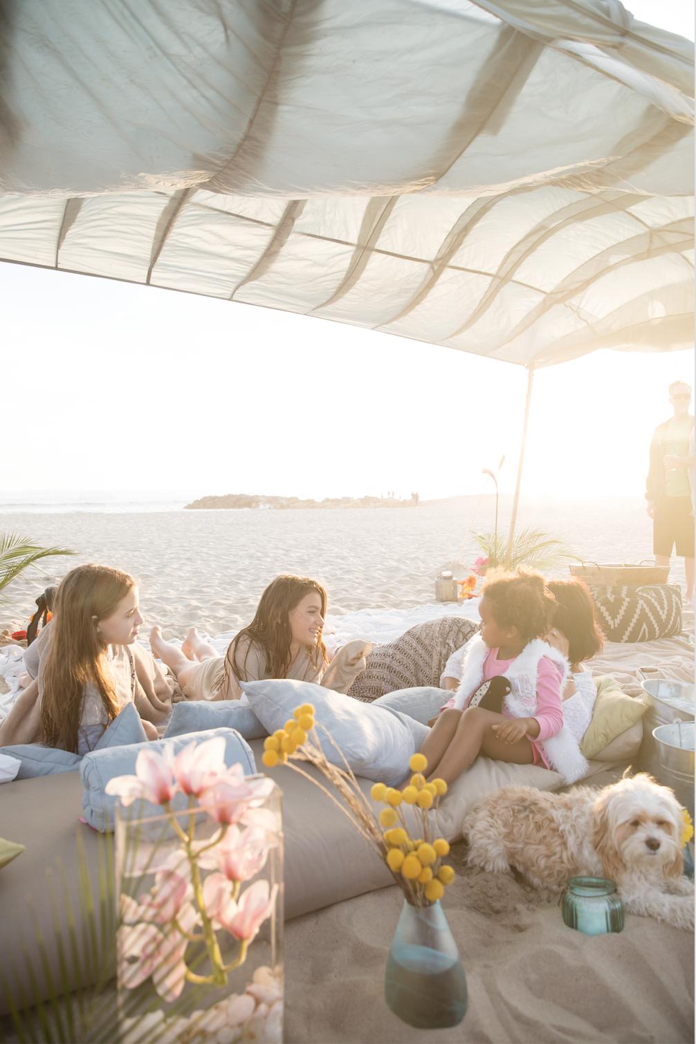 dreamy_beach_pop_up_shelter.jpg
