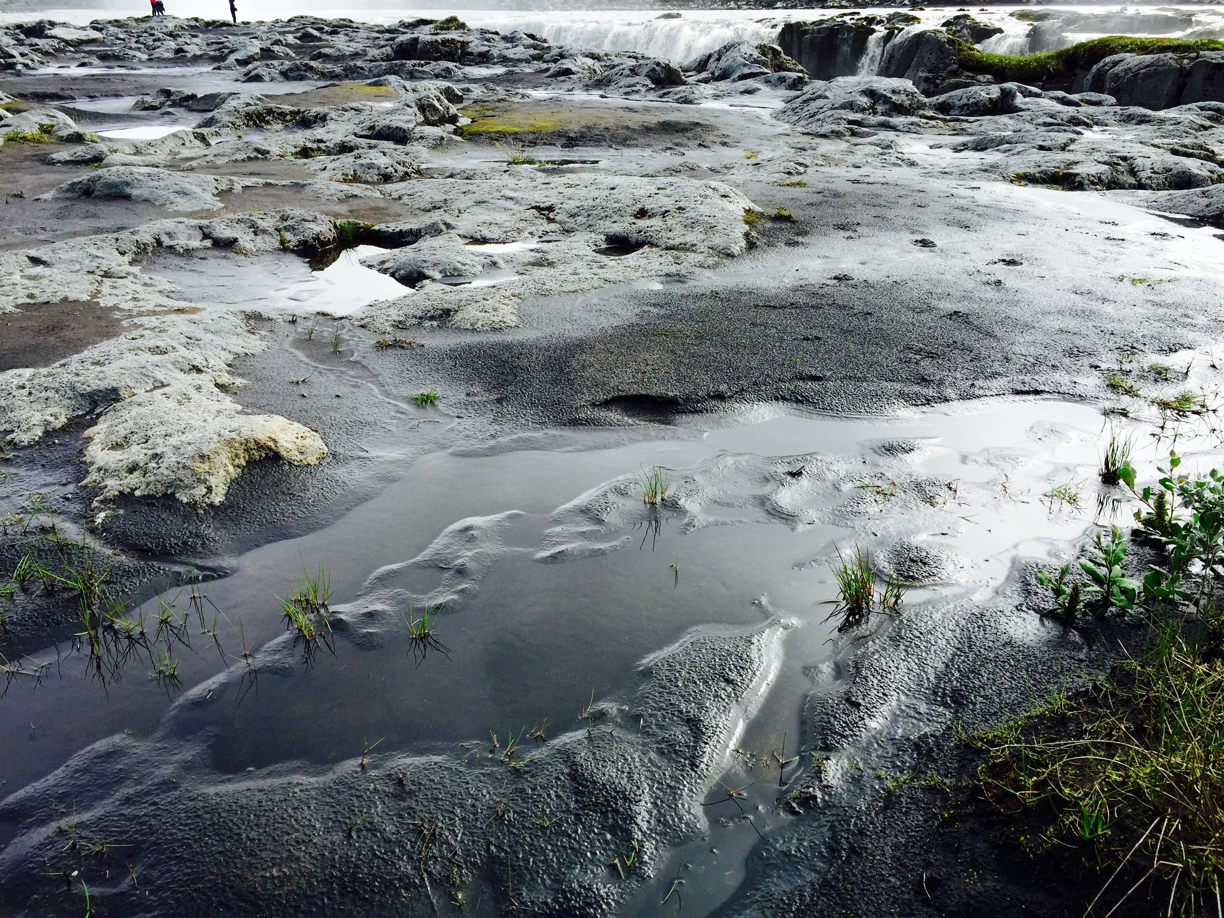 Black sands above Selfoss turning silver in the light