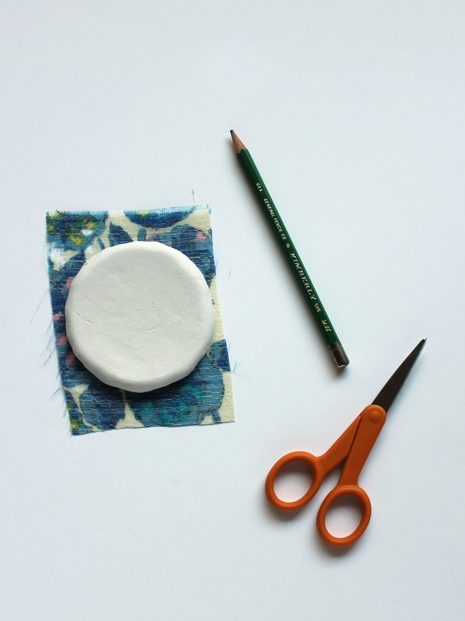 DIY Tutorial Fabric Decoupage Jewelry Dishes – Sew DIY