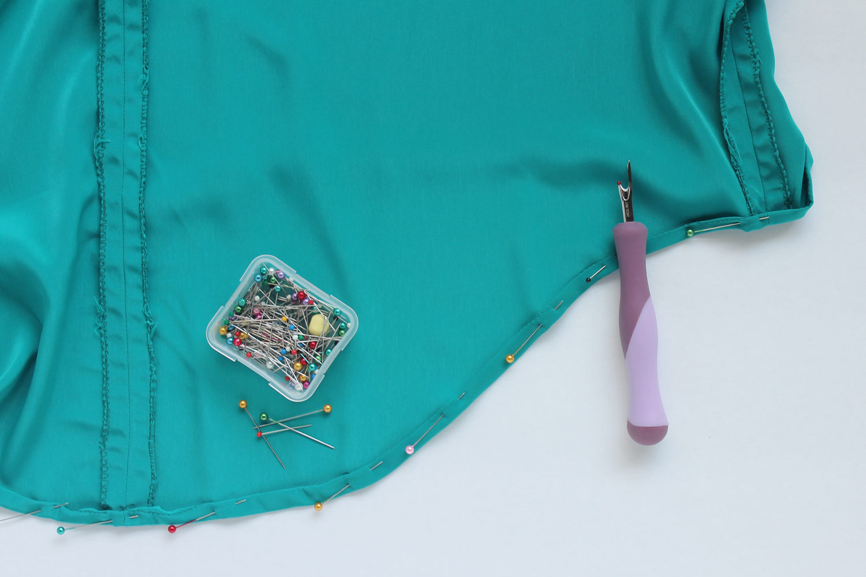 Lou Box Top Sewalong Part 6 Stitching the Hem – Sew DIY