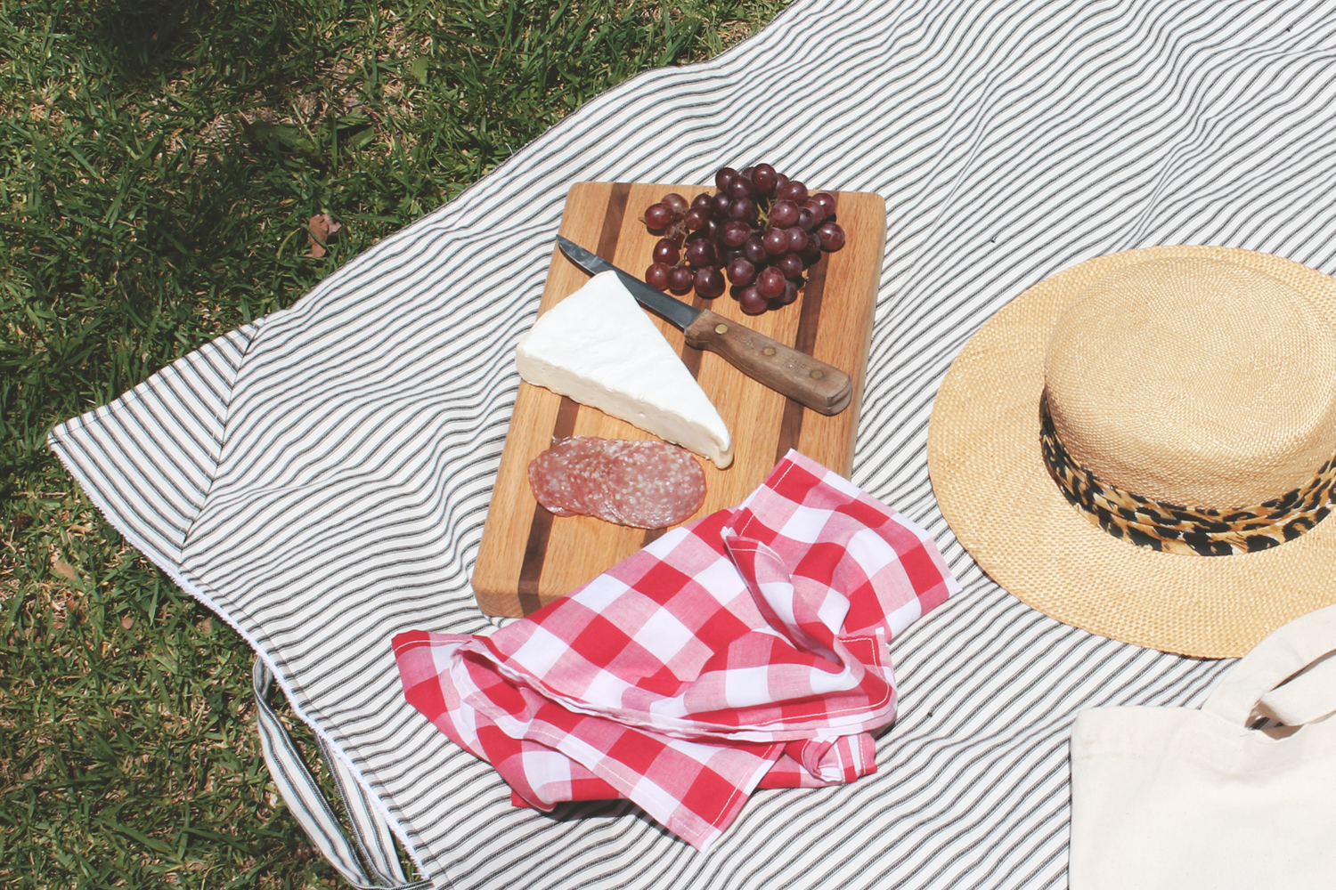 How to sew a picnic blanket. DIY Tutorial from Sew DIY