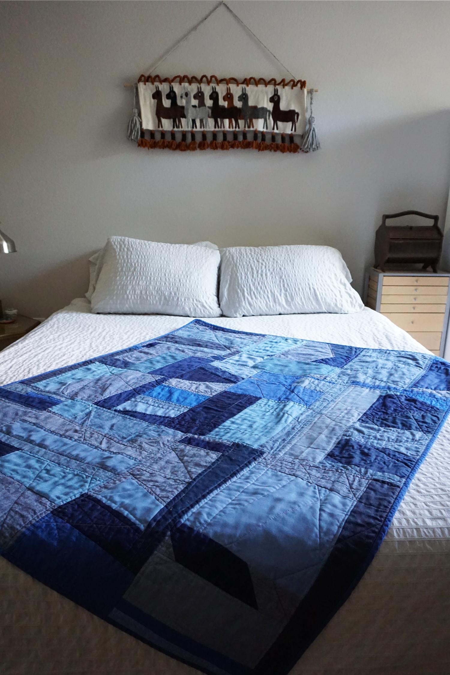 DIY Improvised Blue Scrap Quilt | Sew DIY
