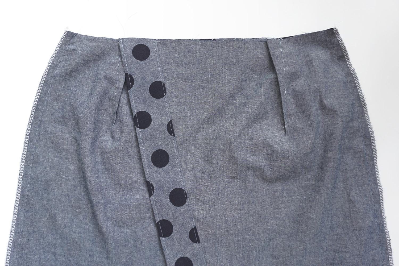 Nita Wrap Skirt Sewalong Day 3: Side Seams | Sew DIY