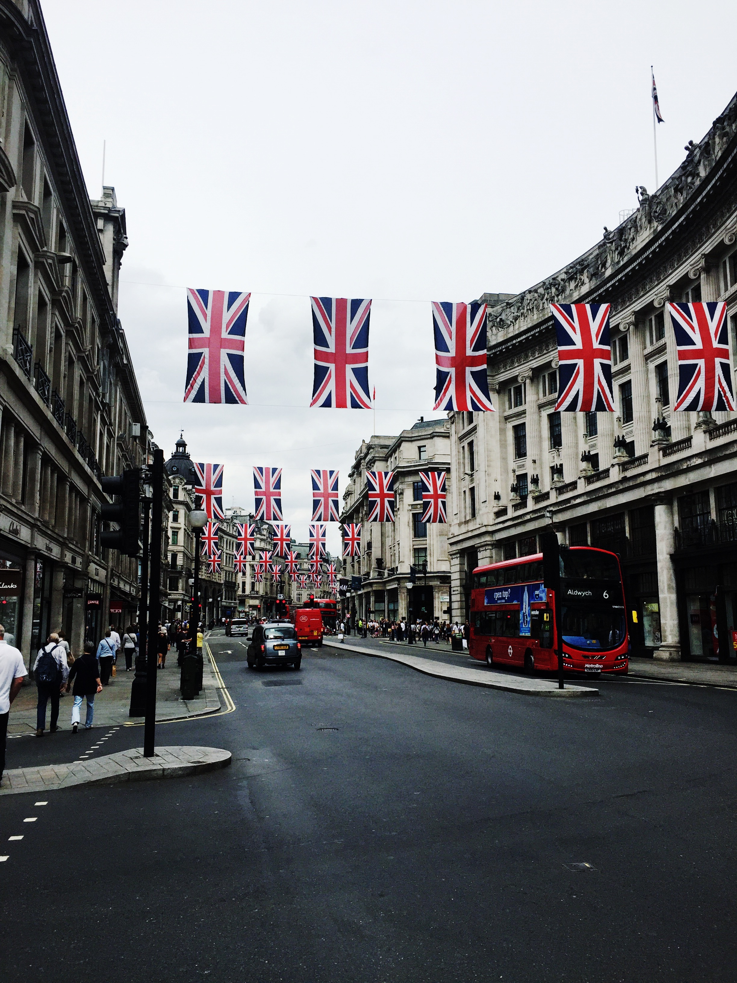 London celebrates Queen Elizabeth's 90th birthday