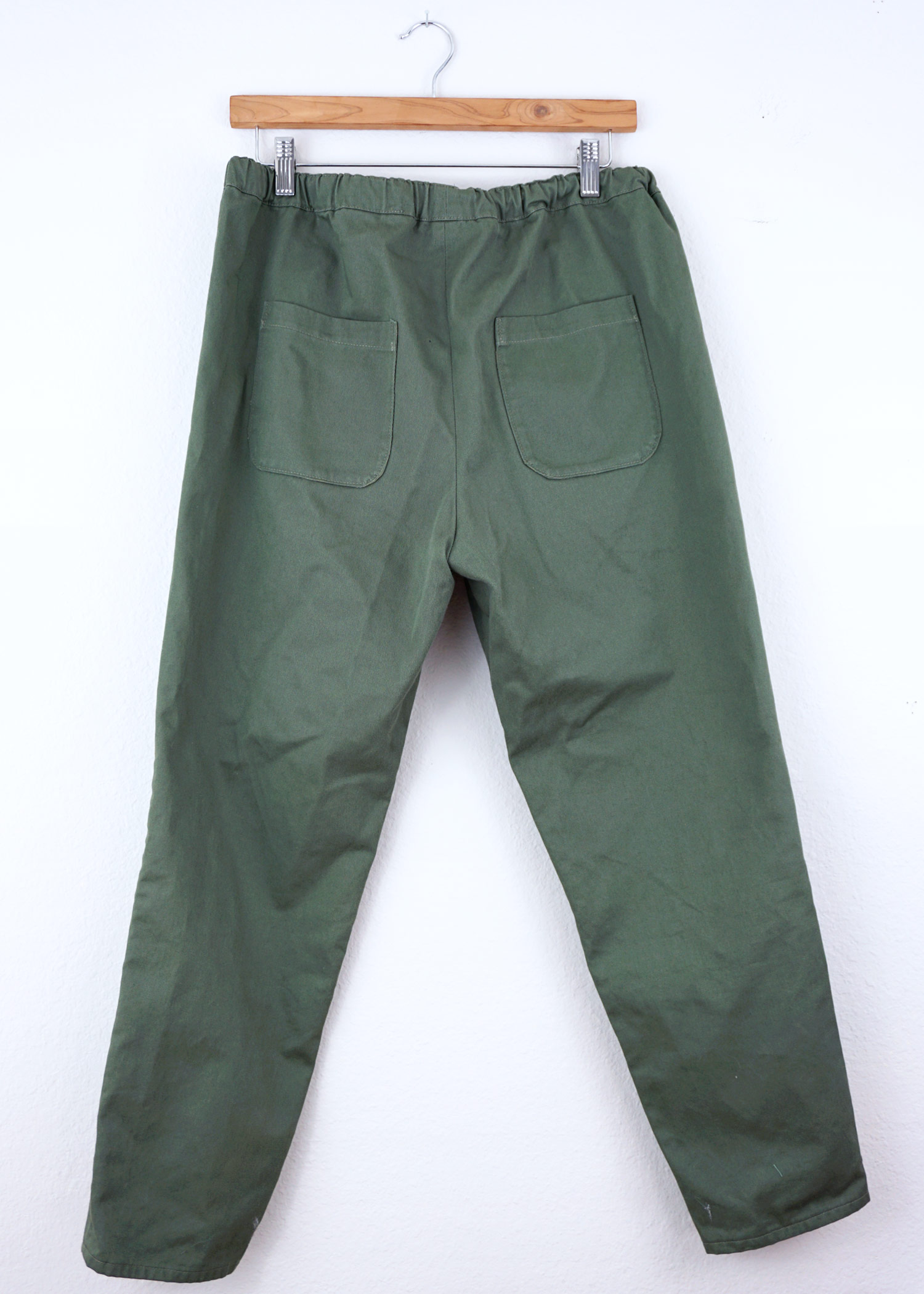 DIY Green Peg Trousers, a review of the Alexandria Trousers pattern by Named Clothing   Sew DIY