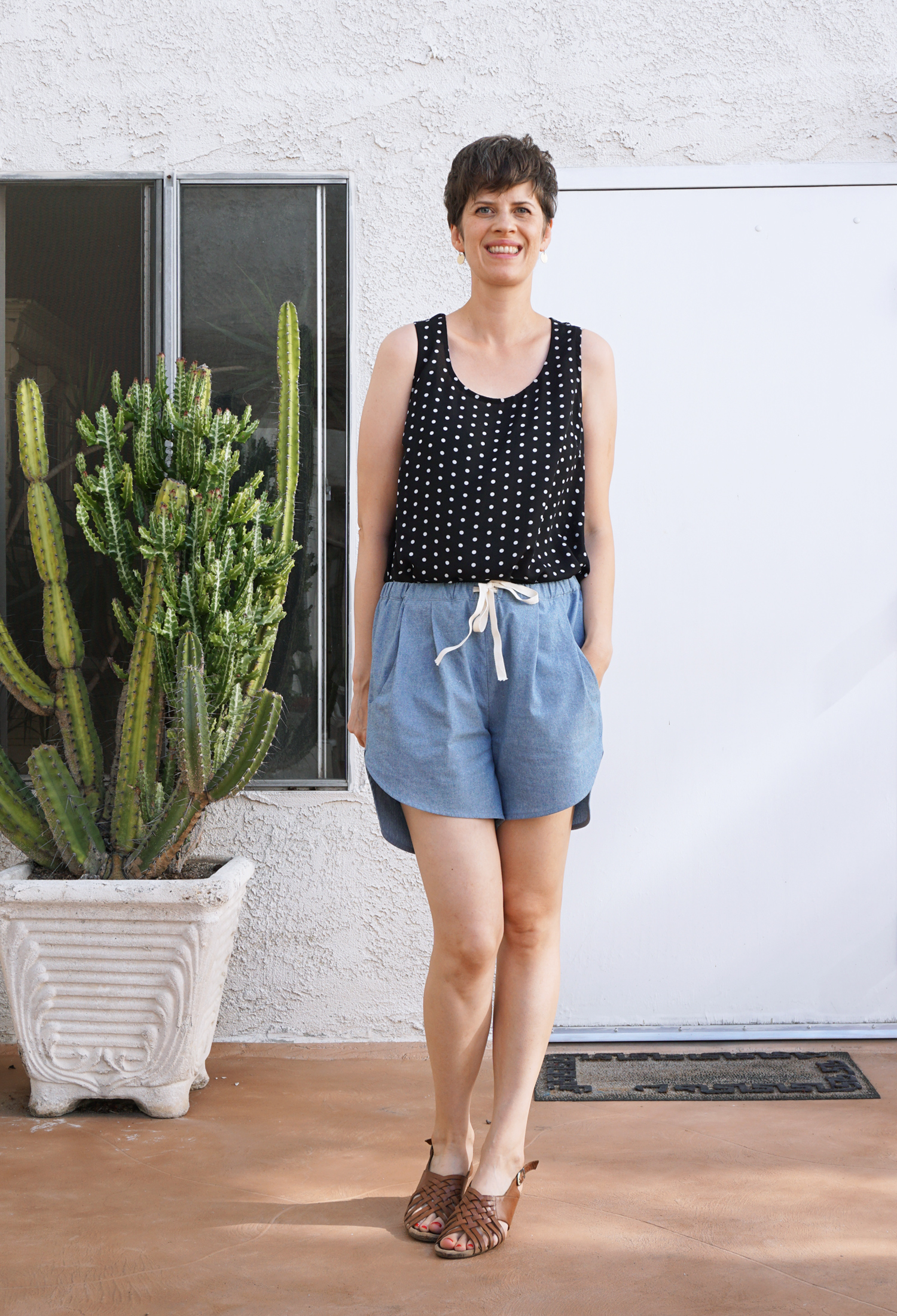 DIY Curved Hem Shorts, Pattern: Alexandria Shorts by Named Patterns | Sew DIY