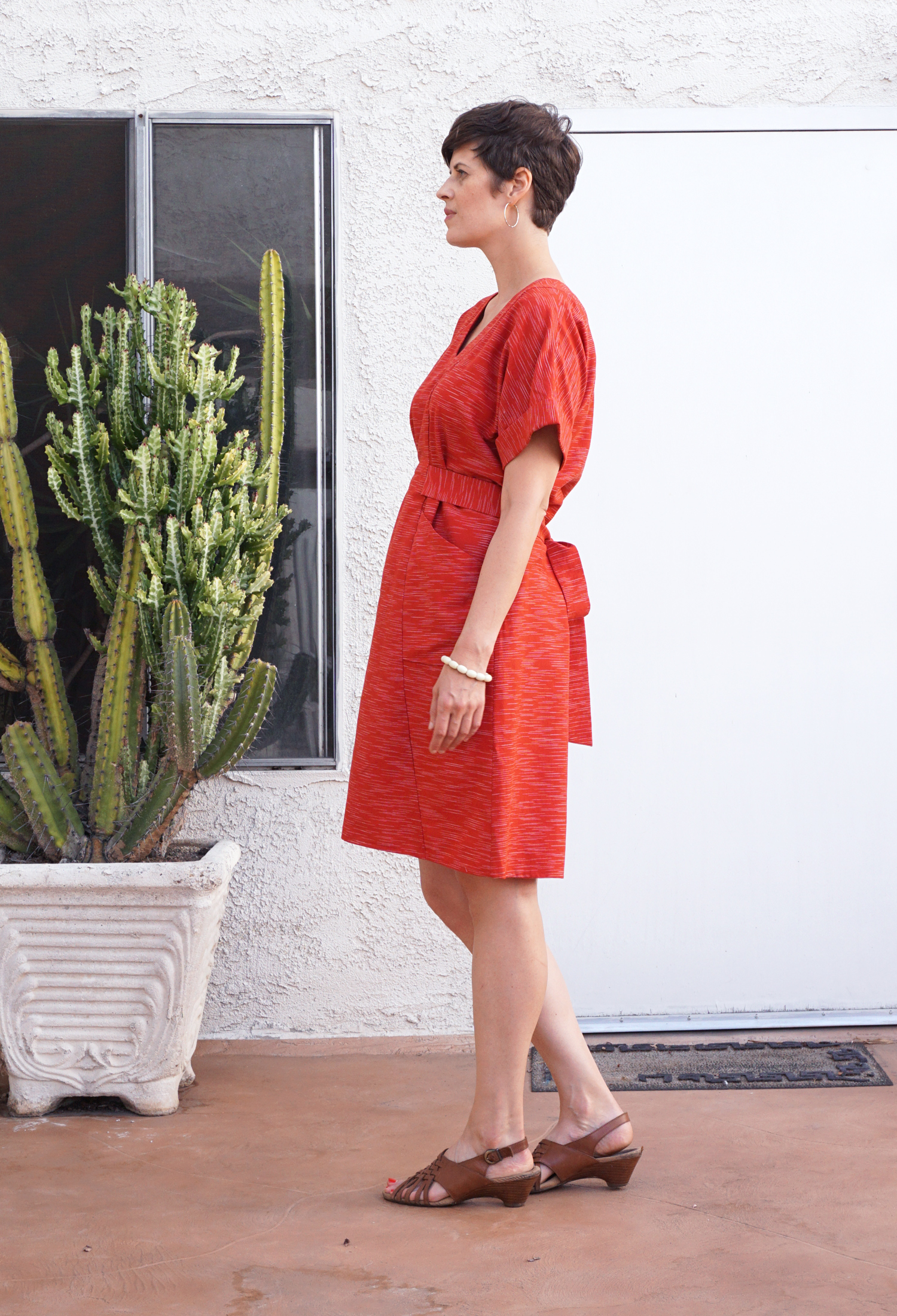 Red Kimono Sleeve Dress, review of the Tea House Dress sewing pattern | Sew DIY