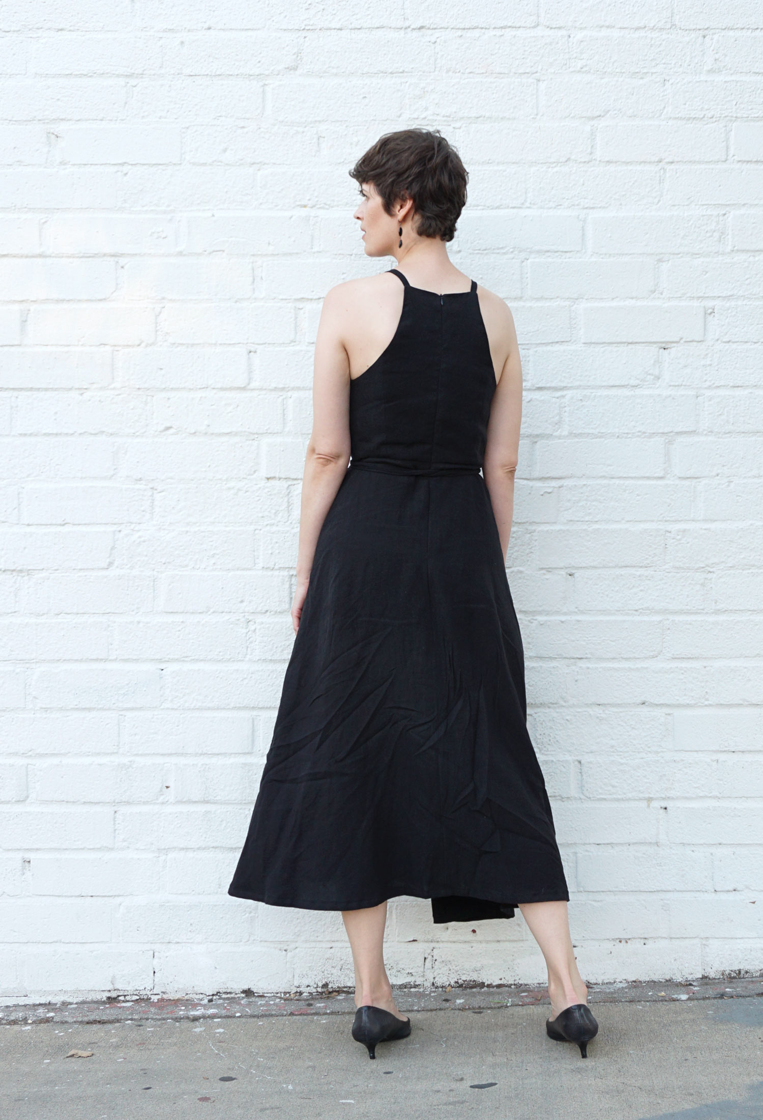 DIY Strappy Linen Dress – Review of the Acton Dress by In The Folds | Sew DIY