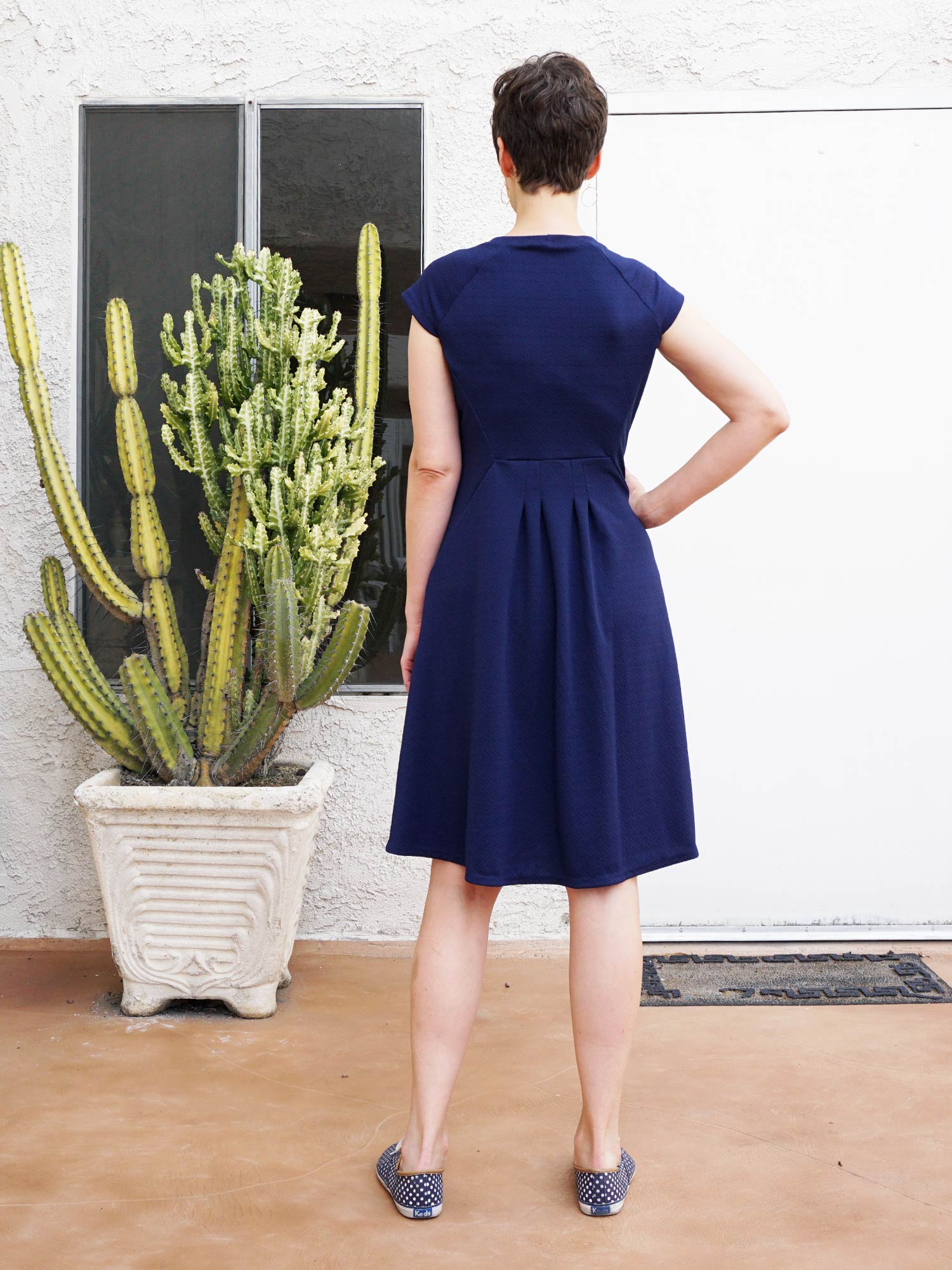 DIY Navy Cap Sleeve Dress – Review of the Zadie Dress sewing pattern by Tilly & the Buttons | Sew DIY