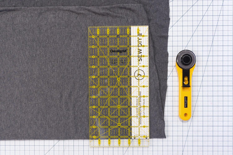 Two Ways to Sew a Knit Neck Binding – Lou Box Dress Sewalong Day 4 | Sew DIY