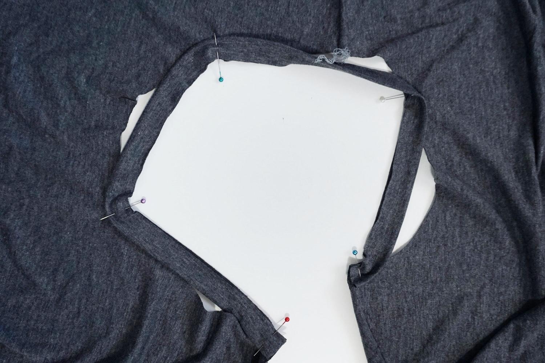 How to Sew a Knit Neck Binding – Lou Box Dress Sewalong Day 4 | Sew DIY
