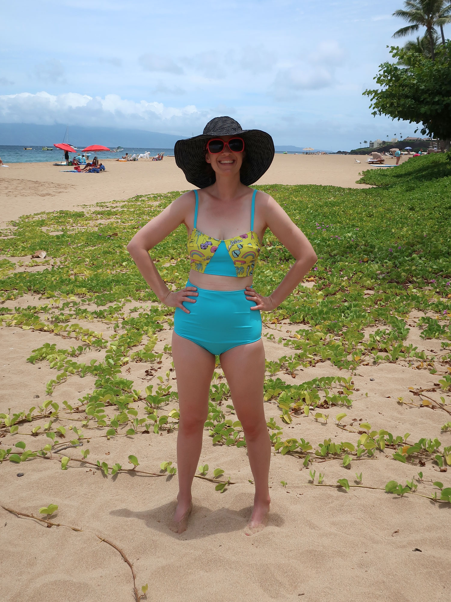 DIY High Waisted Bikini – Review of the Soma Swimsuit by Papercut Patterns | Sew DIY