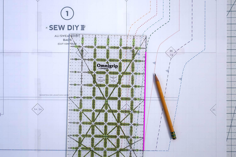 Ali Sweatshirt Sewalong Day2 Grading | Sew DIY