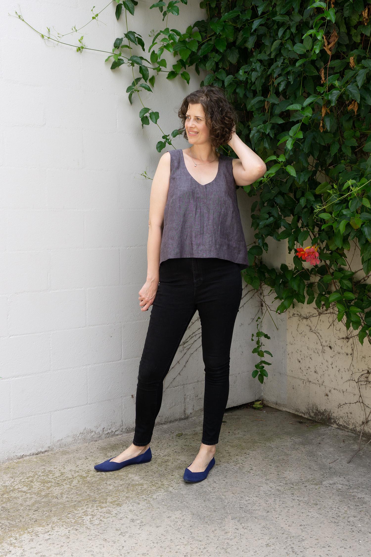 DIY Linen Swing Tank - Review of the Hadley Top by Grainline Studio - Sew DIY