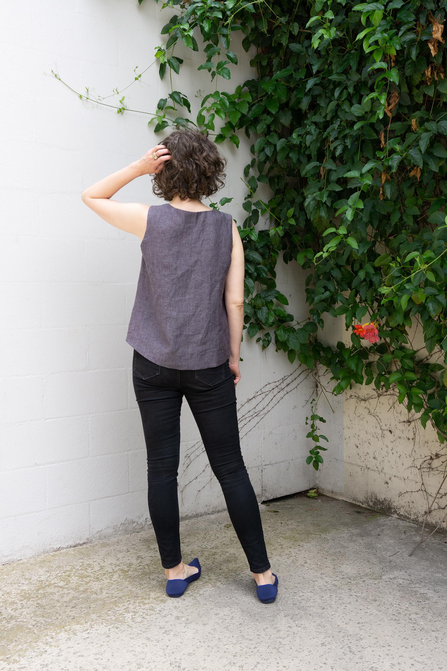 DIY Linen Swing Tank - Review of the Hadley Top pattern by Grainline Studio - Sew DIY