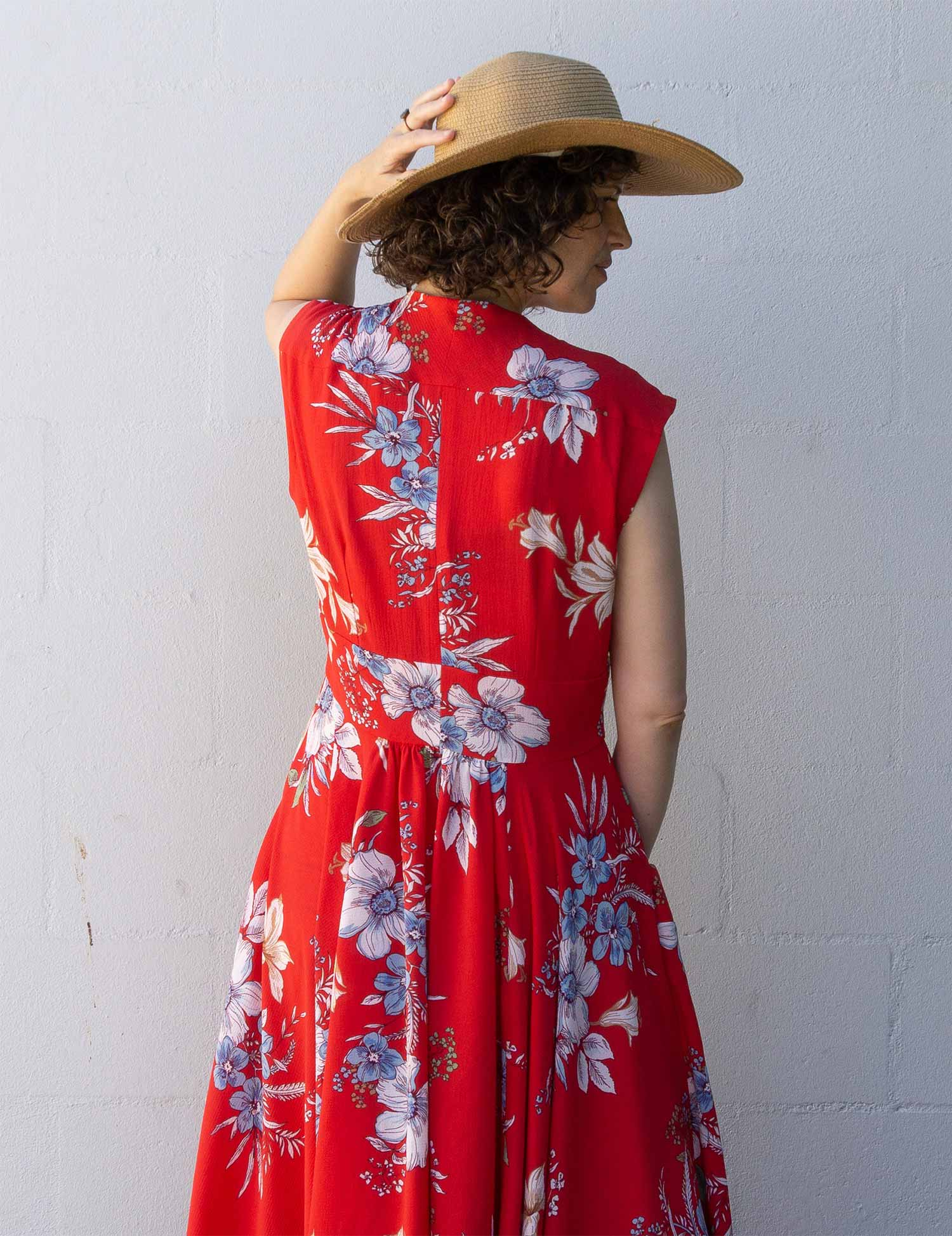 DIY Red Floral Shirt Dress - Review of Vogue V8577 by Sew DIY
