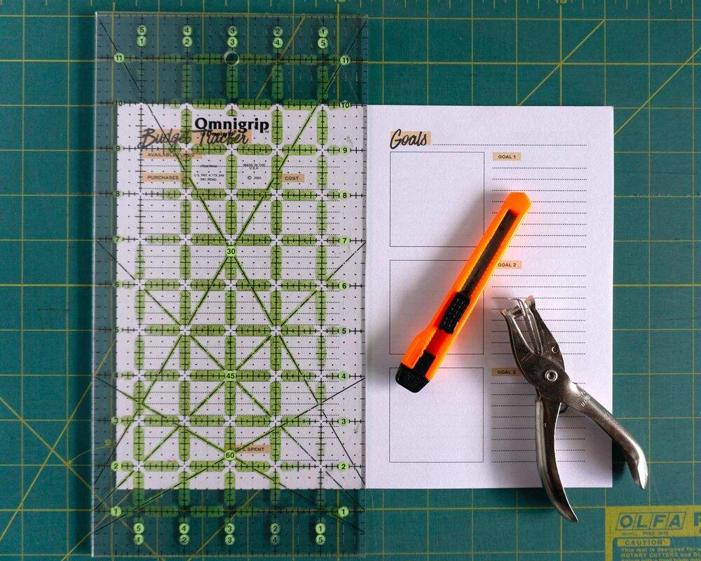 SewDIY-FreePrintableCalendar-Cutting.jpg