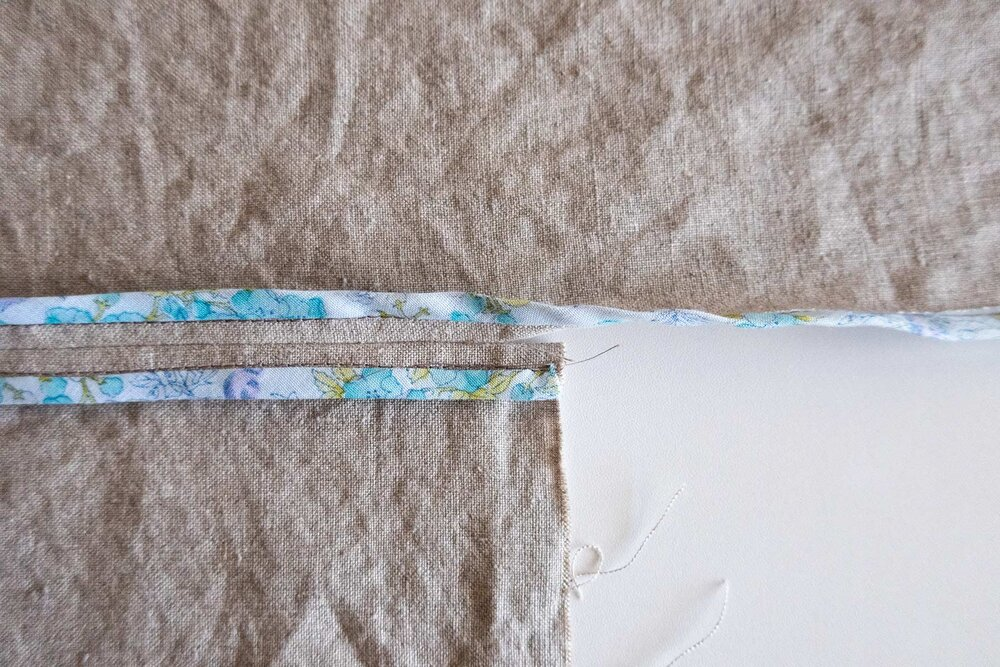 How to sew a Hong Kong finish for the Tasi Jacket Step 3b