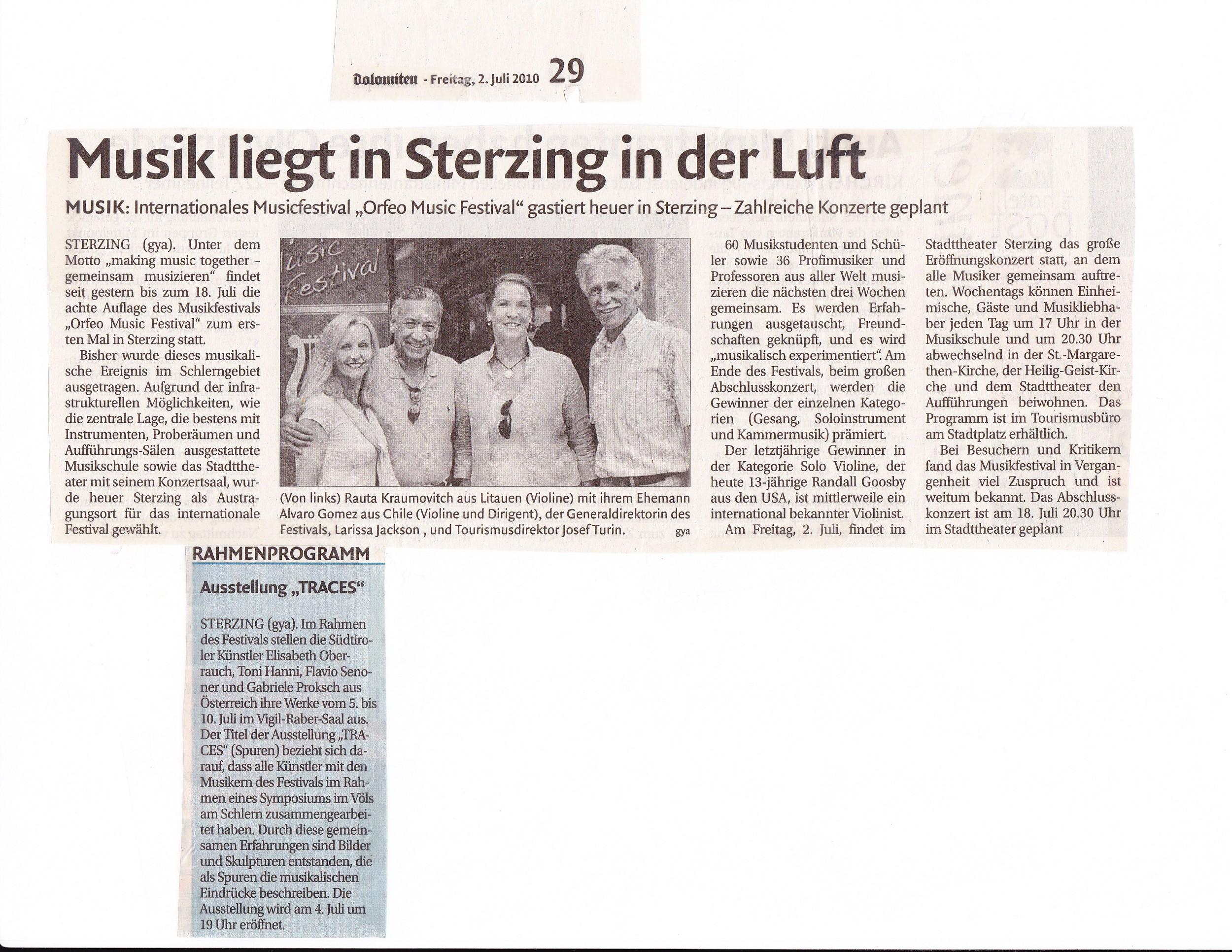 2010 Dolomiten-Musik liegt in Sterzing in der Luft.jpg