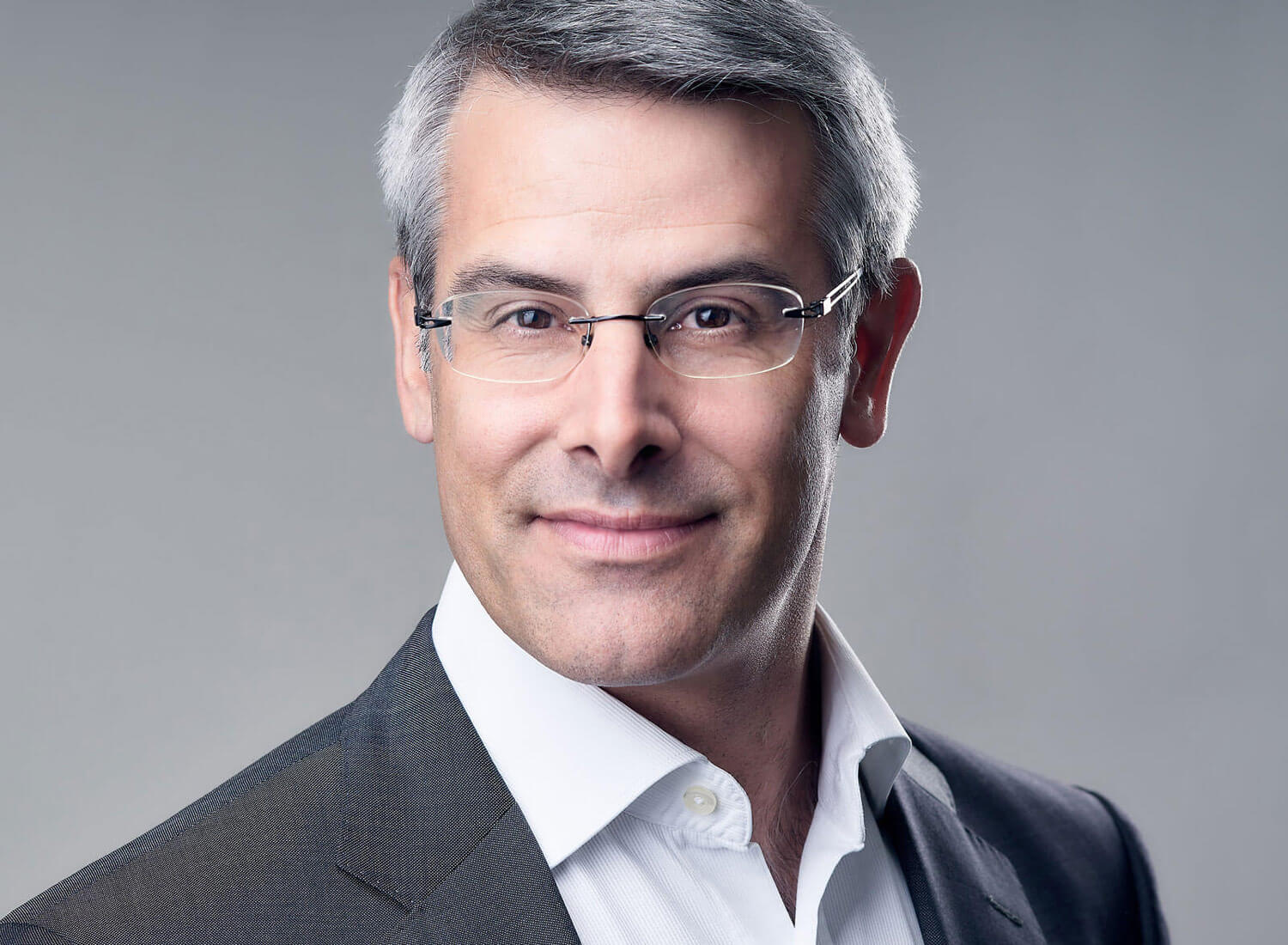 Headshot Portrait of Headhunter Christophe Mauron