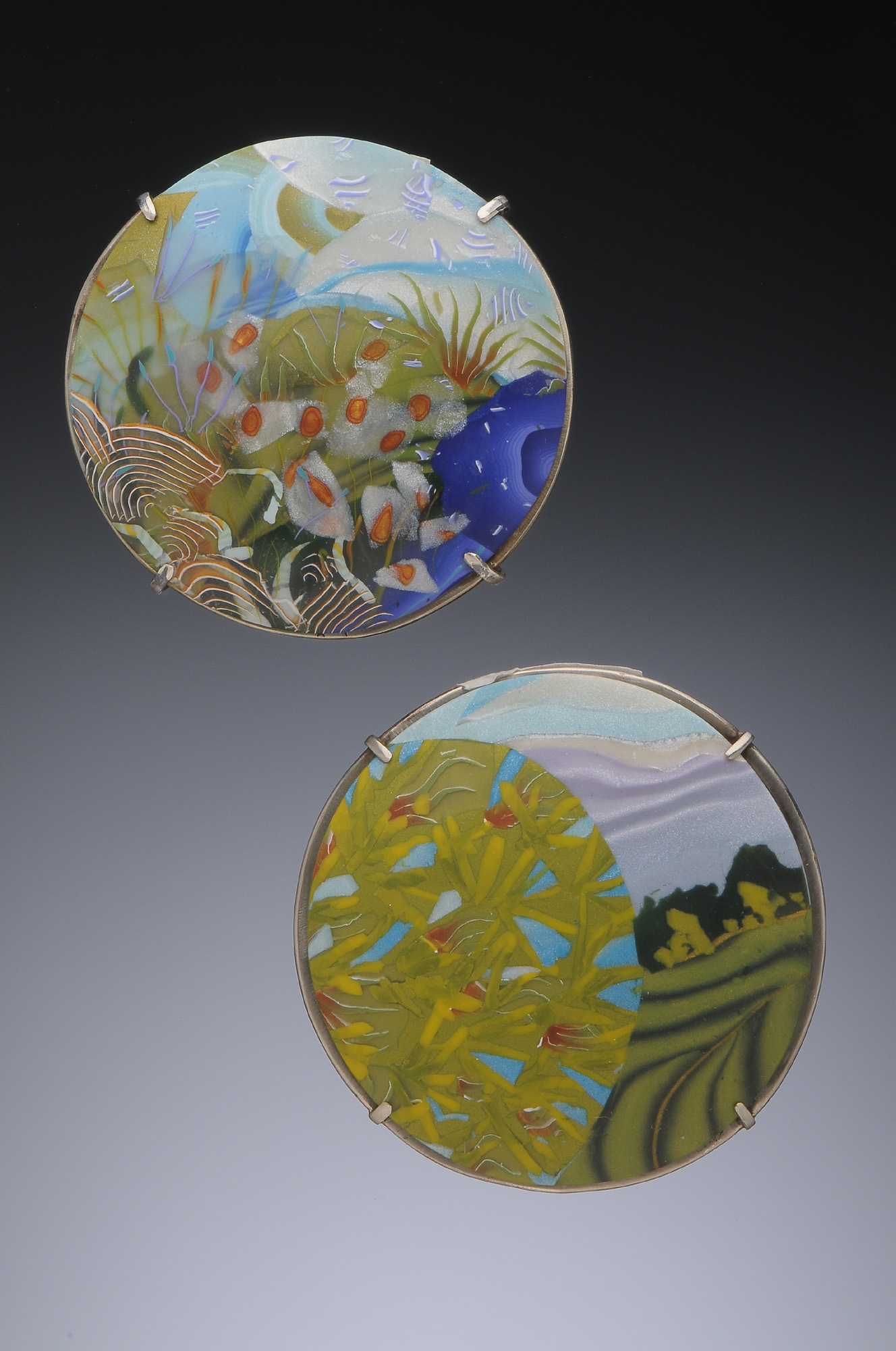 sea and spring dome pins
